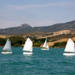 veleros surcando el mar de Alloz